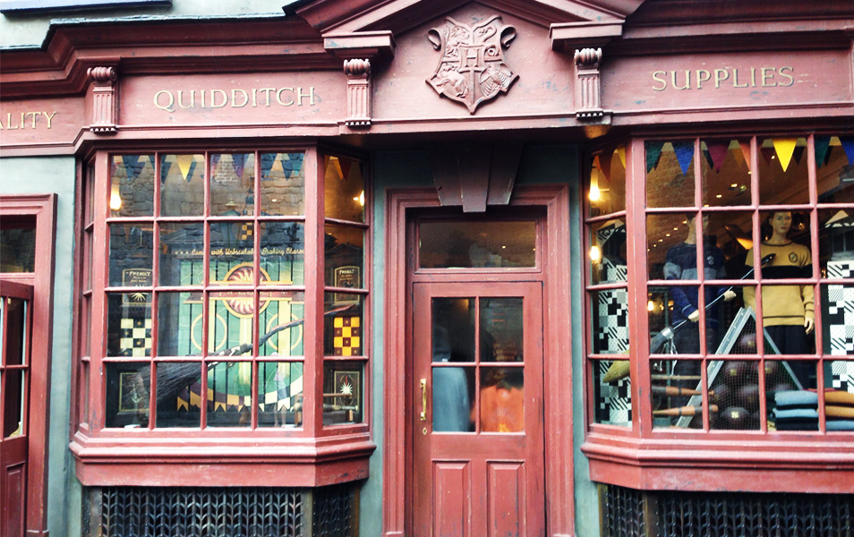 Accesorios de quidditch en el tour de Harry Potter en Londres